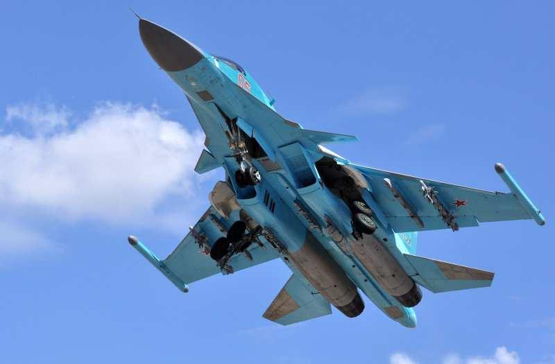 Яркие кадры: Су-34 ВКС России поддерживает сирийский десант в боях с ИГИЛ в Дейр-Эз-Зор (ВИДЕО)  | Русская весна