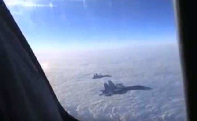 Внебе погибшего пилота Су-24сопровождали истребители, аназемле встретил почетный караул (ФОТО, ВИДЕО) | Русская весна