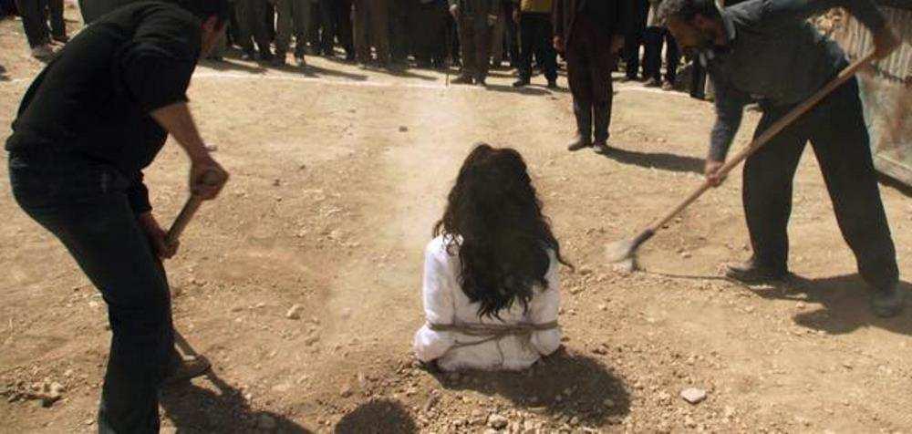 Боевики ИГИЛ забили камнями курдских женщин, обвиненных в супружеской измене | Русская весна