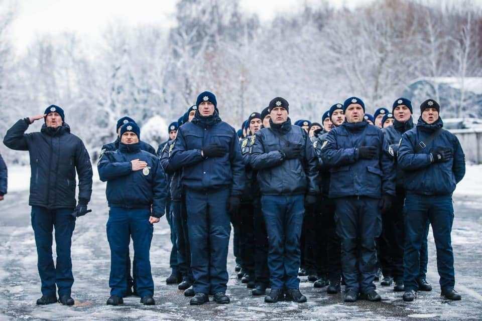 «Извиняться перед боевиками — это днище!» — украинские полицейские о покаянном флешмобе «Я — Бандера» | Русская весна