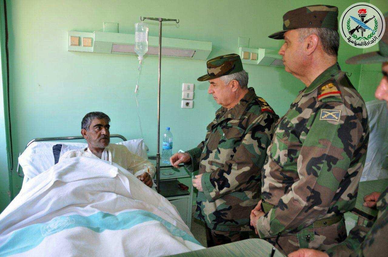 Командование Армии Сирии посетило атакованную США авиабазу Шайрат и раненых военных (ФОТО, ВИДЕО) | Русская весна