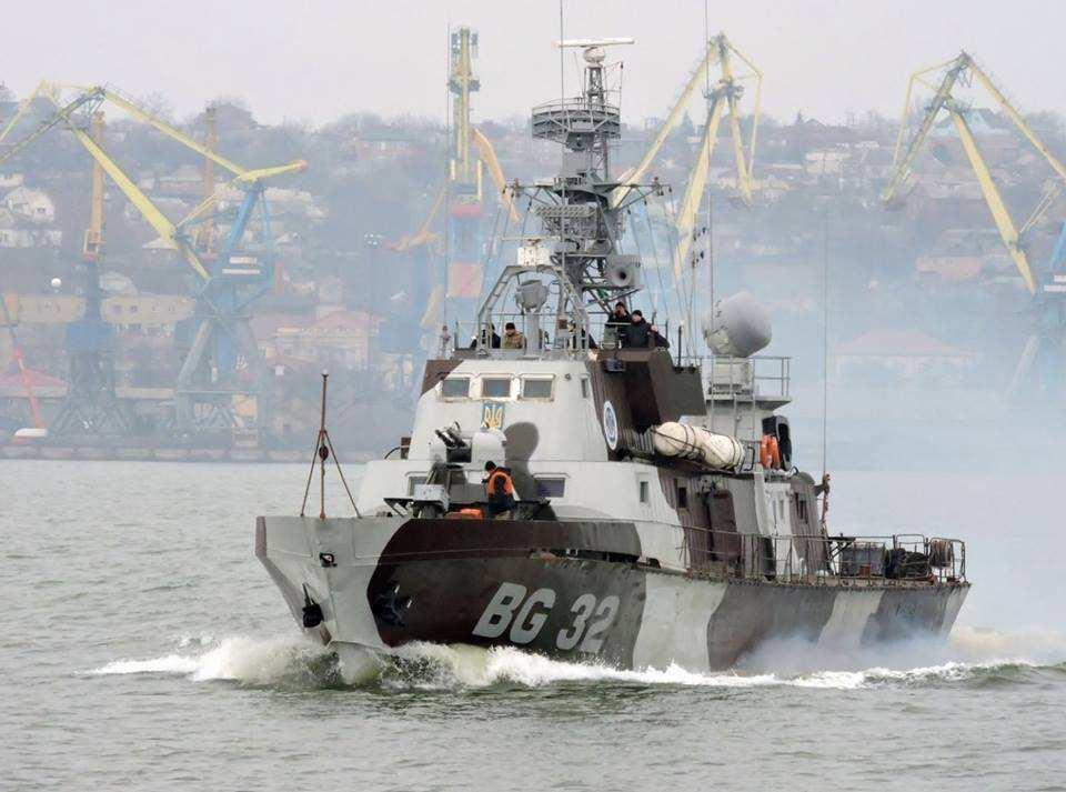 Нашли достойного противника: ВМС Украины и СБУ со стрельбой задержали судно под флагом Танзании  | Русская весна