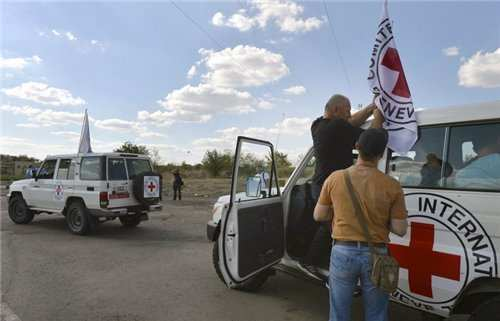 Международный Красный Крест обвинил Украину в блокировании доставки гуманитарных грузов на Донбасс | Русская весна