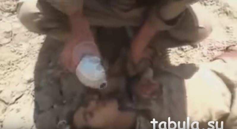 Зачем ты пришел нас убивать? — курды пощадили раненого боевика ИГИЛ (ВИДЕО, перевод) | Русская весна