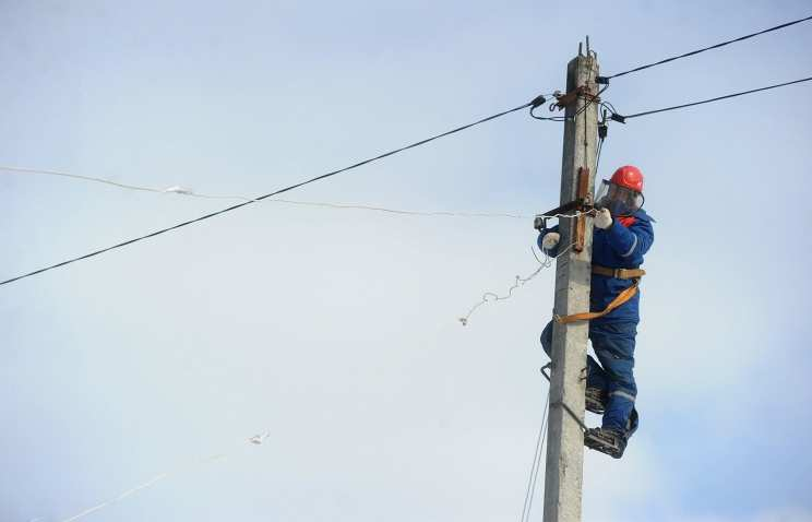 ВСУ открыли огонь по южным селам ДНР, повреждены линии электропередач   Русская весна