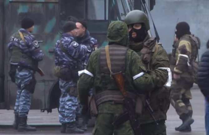 Вцентре Луганска замечена бронетехника, вСети пишут оподготовке арестов руководства ЛНР(ВИДЕО) | Русская весна