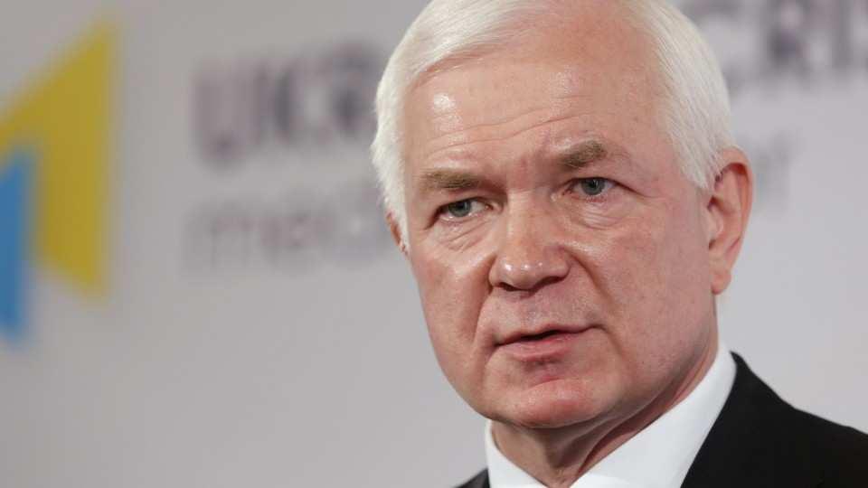Впиджаке итрусах: экс-глава украинской разведки опозорился впрямом эфире (ВИДЕО) | Русская весна