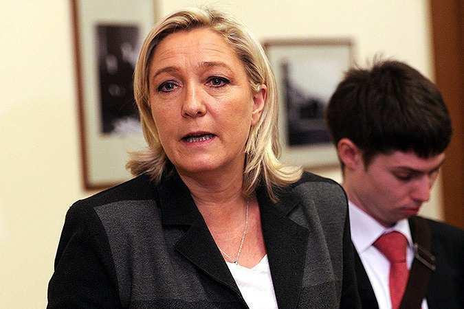 Марин ЛеПен: Франция должна определиться ссоюзниками иврагами, вернуть границы ивыслать исламистов | Русская весна