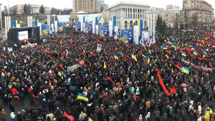 Марш за импичмент в Киеве: кадры свысоты птичьего полета (ВИДЕО)   Русская весна