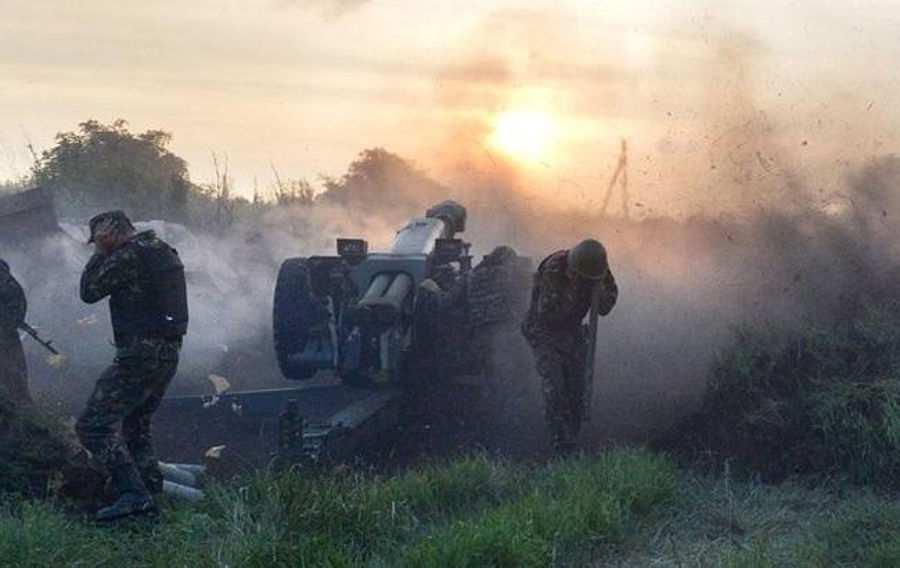 ВСУ обстреляли село Коминтерново на юге ДНР | Русская весна