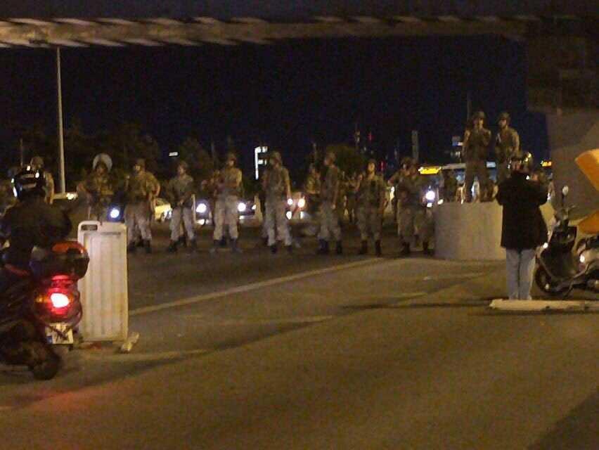 Военные, захватившие мост через Босфор, сдаются властям (ВИДЕО) | Русская весна