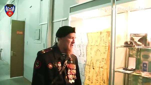 Ополченец Моторола провел экскурсию помузею спецотряда «Спарта» (ВИДЕО) | Русская весна