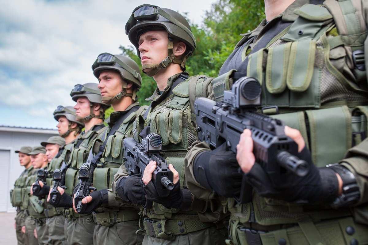 На Куликово поле в Одессе пригнали бронетехнику с боевыми подразделениями нацгвардии (ВИДЕ | Русская весна