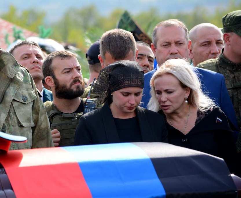 Вдова Захарченко побывала напередовой (ВИДЕО) | Русская весна