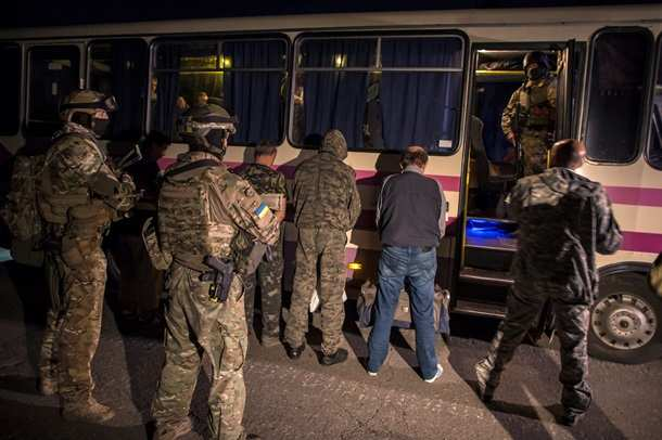 Донбасс иУкраина согласовали списки дляобмена пленными, — Медведчук | Русская весна