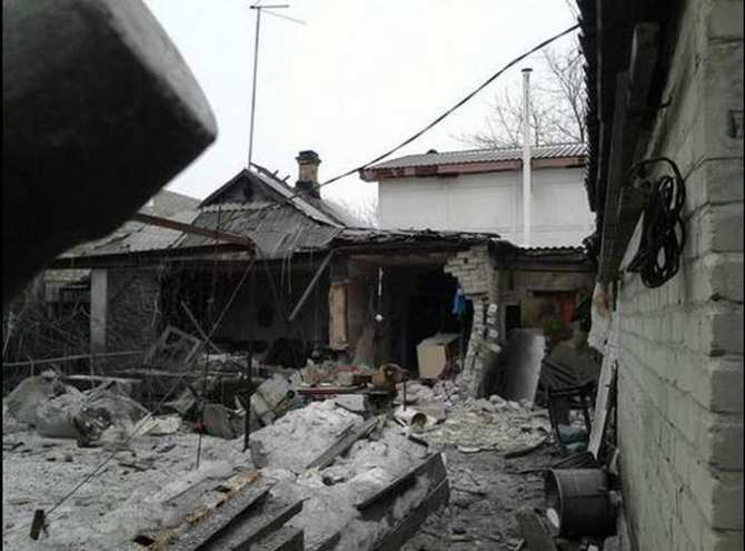 Обстрелом ВСУ повреждены три дома в селе на юге ДНР | Русская весна