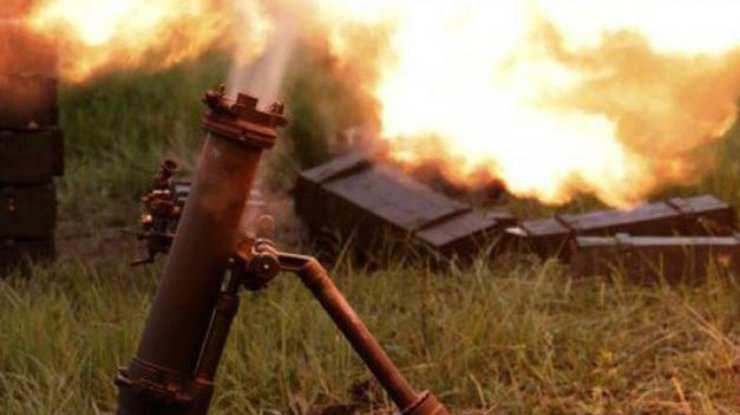 ВСУобстреливают изминометов и артиллерии пригороды Донецка иГорловки, отмечаются боестолкновения | Русская весна
