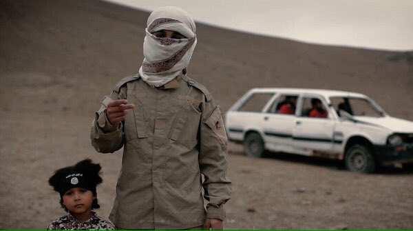 ШОК: 4-летний палач ИГИЛ казнил трех человек в Сирии (ФОТО,+ВИДЕО 18+) | Русская весна