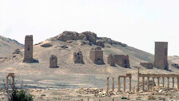 Боевики ИГИЛ уничтожили исторические колонны Пальмиры | Русская весна