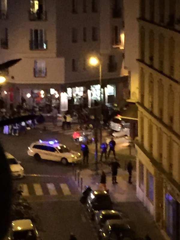 В Париже правые радикалы сорвали акцию в поддержку жертв терактов (ВИДЕО) | Русская весна