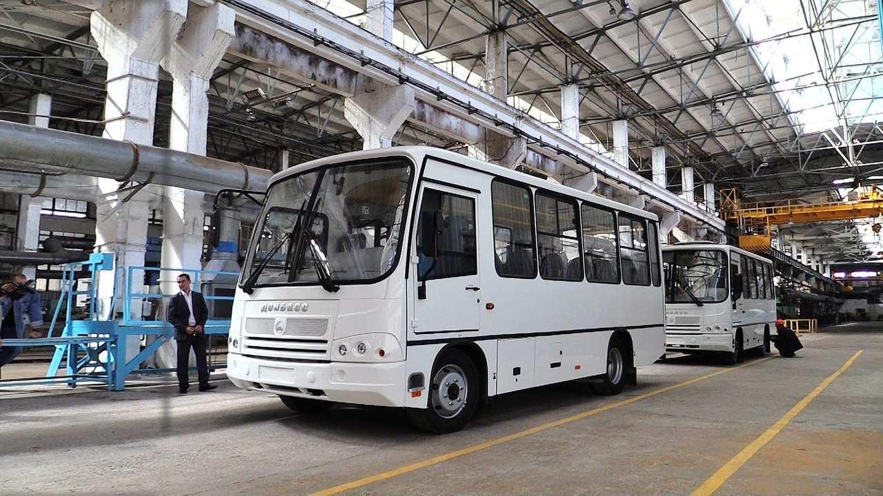 Поехали: Захарченко проехался на первом автобусе, собранном в Донецке (ФОТО, ВИДЕО) | Русская весна