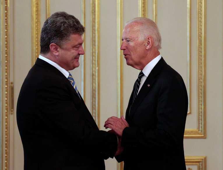 Байден встретился с Порошенко в Давосе   Русская весна