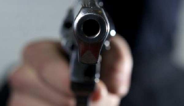Шокирующие подробности расстрела полицейских в Днепропетровске: убийца несколько минут угрожал им и требовал отдать оружие (ВИДЕО) | Русская весна