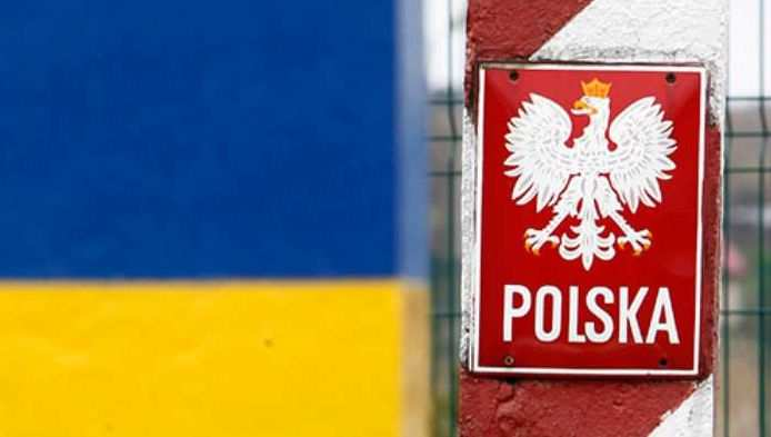 «Заигрались вБандеру»: Польша перекрыла украинским грузам путь вЕвропу (ВИДЕО) | Русская весна