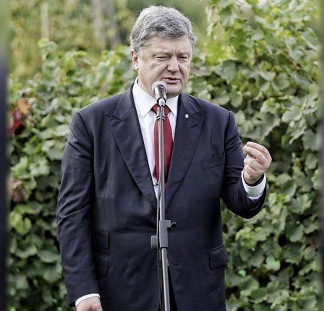 «Лучше носки и утюг ему купите», — для Порошенко хотят закупить два бронированных Mercedes по $800 000 | Русская весна