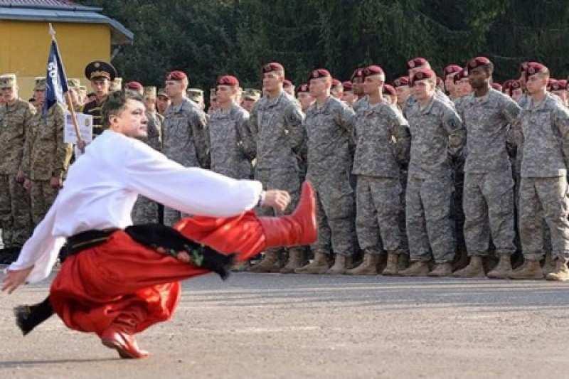 Порошенко наградил американского генерала орденом Ярослава Мудрого | Русская весна