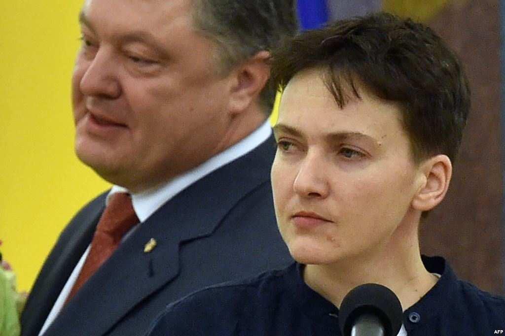 Большинство украинцев на выборах проголосовали бы за Савченко, она опережает Порошенко в два раза (ВИДЕО) | Русская весна