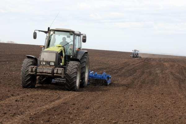 Посевная в ДНР завершена на 50%, фермерам помогут техникой и госзаказами, — Минагропром | Русская весна