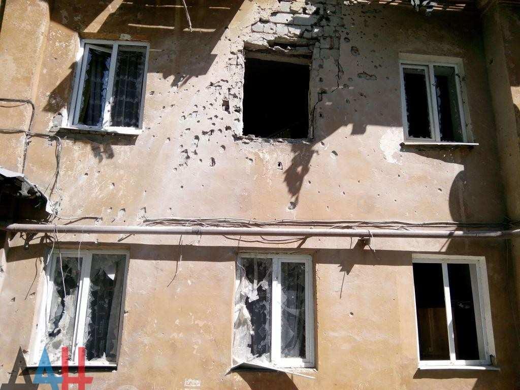 В результате обстрелов Донецка ранены четыре мирных жителя | Русская весна