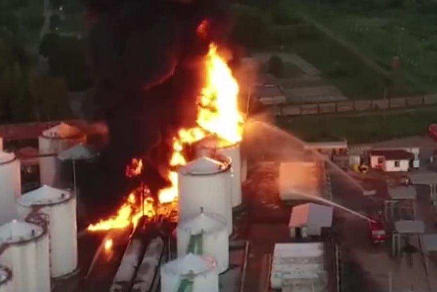 За катастрофу на нефтебазе под Киевом надо поблагодарить Яценюка, — эксперты | Русская весна