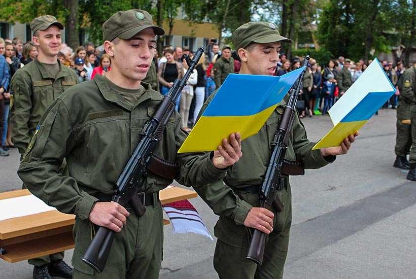 «Не ради олигархов ипиара Порошенко»: почему украинская молодёжь массово уклоняется отпризыва (ФОТО) | Русская весна