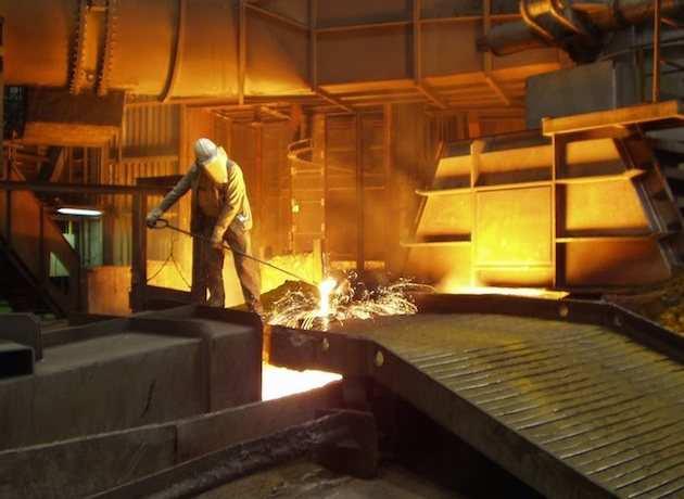 Упало всё: выпуск стали на Украине обвалился на 30% | Русская весна
