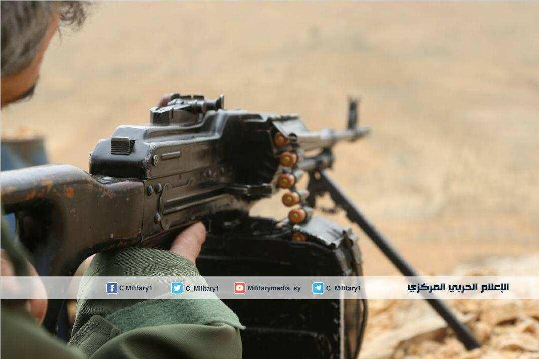Кадры боя: Армия Сирии и «Хезболла» охотятся на «Аль-Каиду» в горах на границе (ВИДЕО) | Русская весна