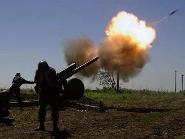Украинская артиллерия обстреливает Тельмановский район | Русская весна