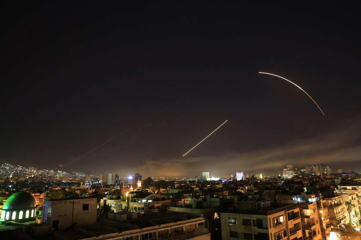 Как сирийская армия советскими ПВО современные американские ракеты перехватывала (ВИДЕО) | Русская весна
