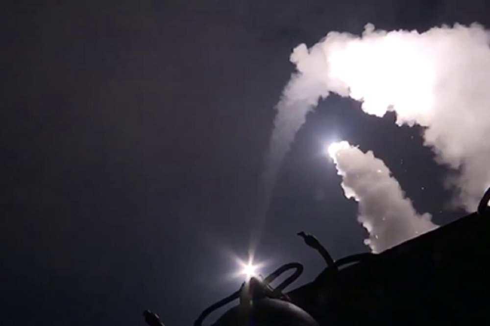 Удар поИГИЛ: российские крылатые ракеты внебе надКурдистаном — ВИДЕО очевидцев   Русская весна