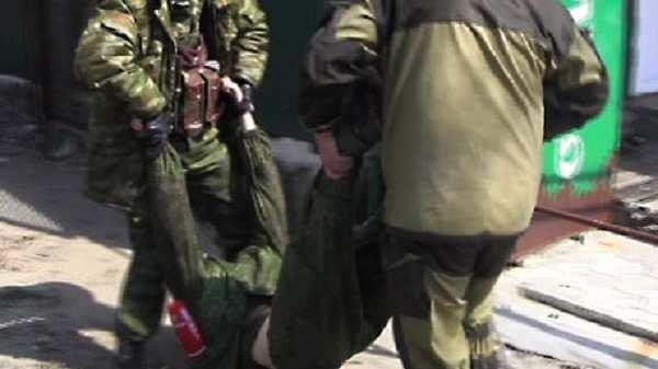 Момент взрыва, врезультате которого былтяжело ранен журналист телеканала «Звезда» (ВИДЕО) | Русская весна