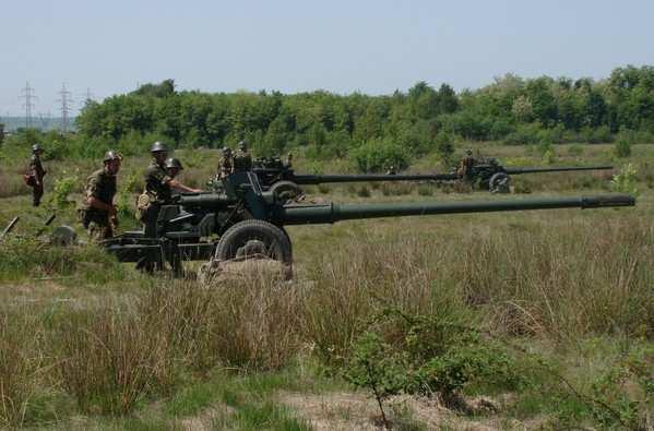 МОЛНИЯ: ближе к полуночи обстрелы Горловки приняли угрожающий характер, также под огнем окраины Донецка | Русская весна