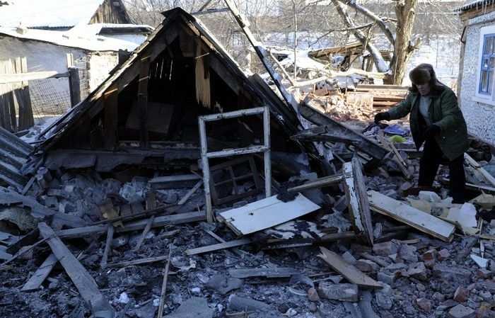 Пять жилых домов разрушены в результате варварского ночного обстрела села Саханка   Русская весна