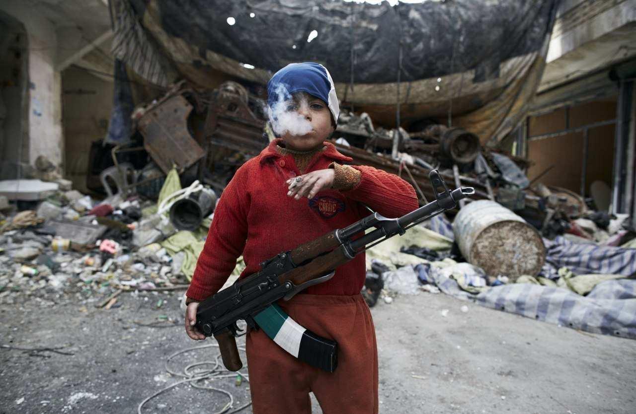 В Сирии боевики активно вербуют маленьких детей: десятки школьников погибли на войне за месяц   Русская весна