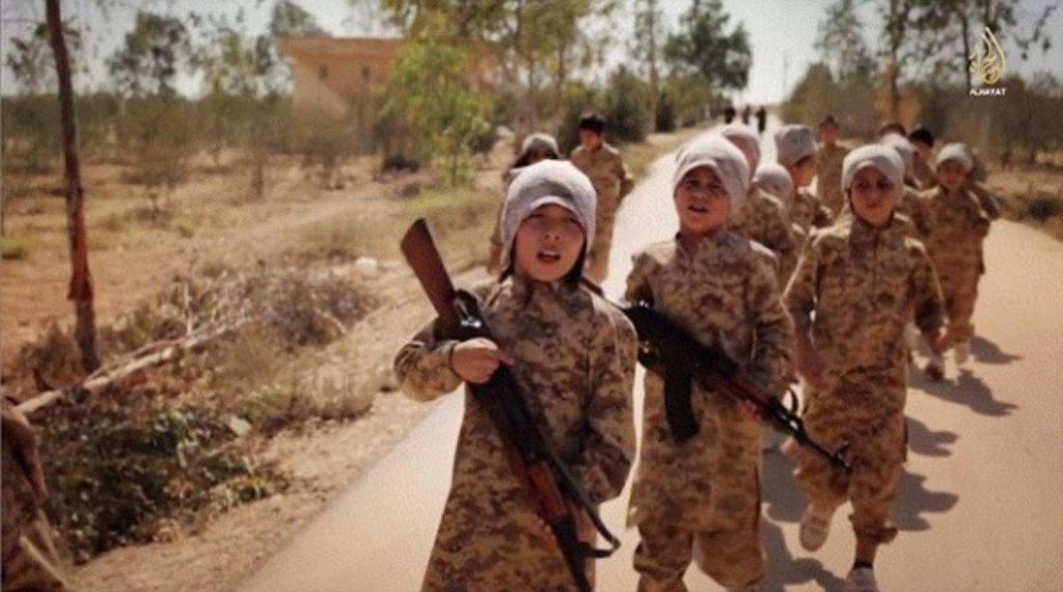 В Британии установили личность ребенка с видеозаписи недавней казни ИГИЛ   Русская весна