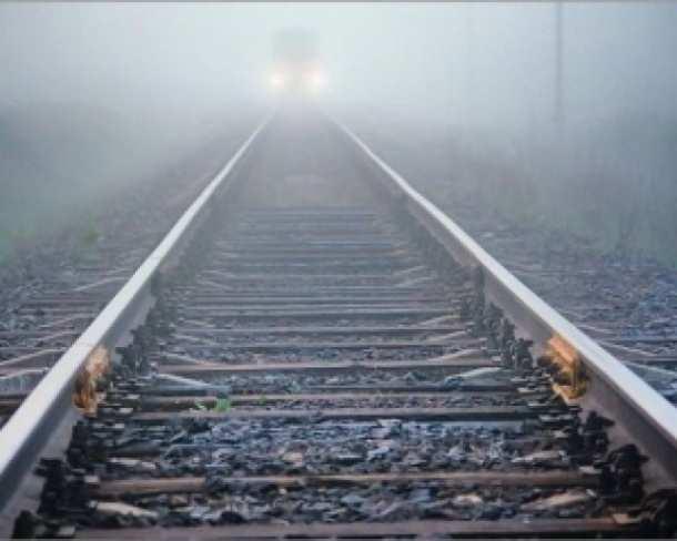 Каратели продолжают диверсии на железной дороге: обстреливают составы и подрывают пути | Русская весна