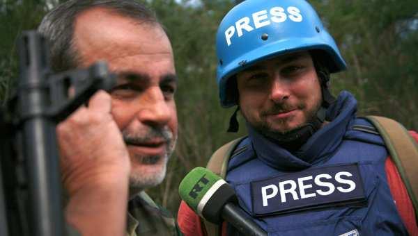 Российские журналисты, попавшие под обстрел в Сирии, вернулись домой (ВИДЕО) | Русская весна