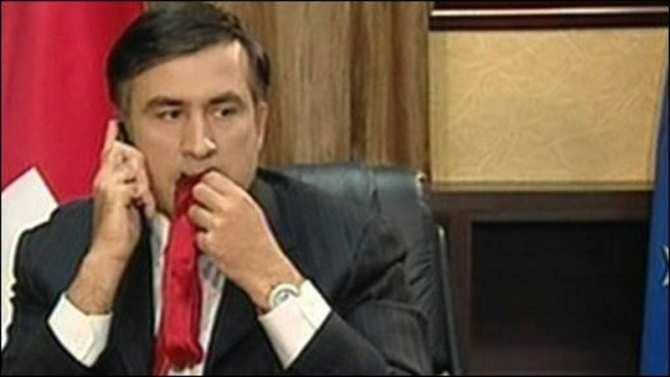 «От поедания галстука до залезания на крышу, путь был тернистый», — Кремль о Саакашвили | Русская весна