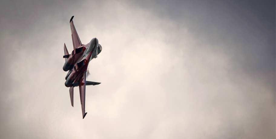 CNN: «Истребители-призраки» ВВСРоссии внебе Сирии напугали транспортник США | Русская весна