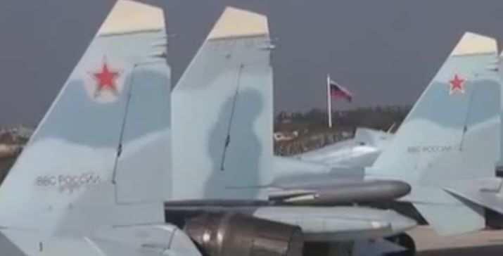 Российская авиация стирает в пыль командные пункты и караваны с нефтью ИГИЛ (ВИДЕО) | Русская весна